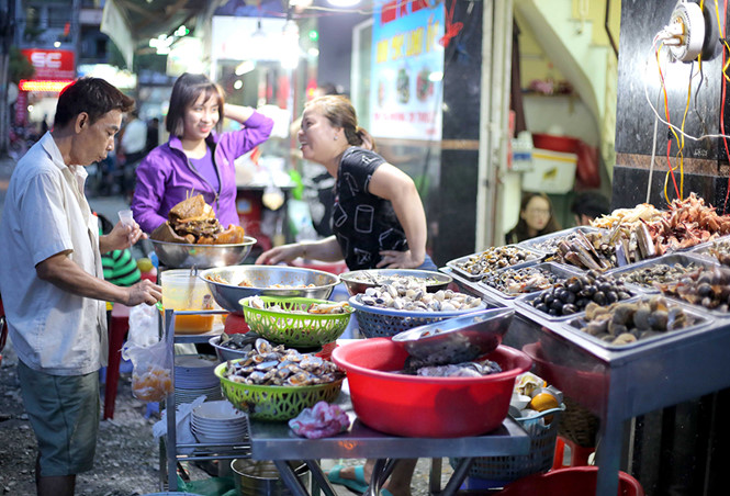 District 4 in Saigon a hidden gem that you may miss 20 thuoc street food alley