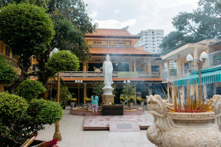 District 4 in Saigon a hidden gem that you may miss Kim Lien Pagoda
