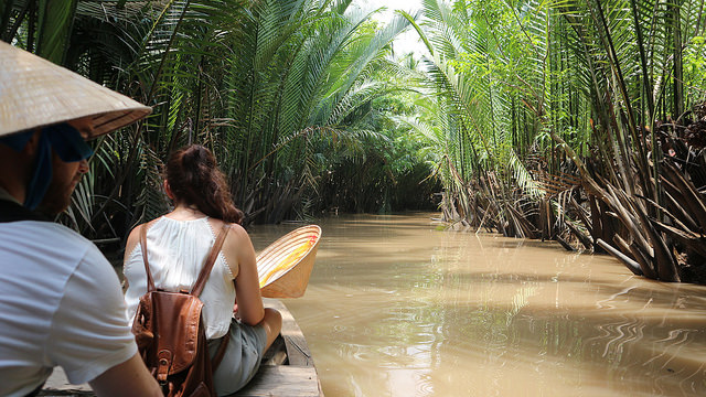 Mekong Delta Tour taking the sampan to the small canal