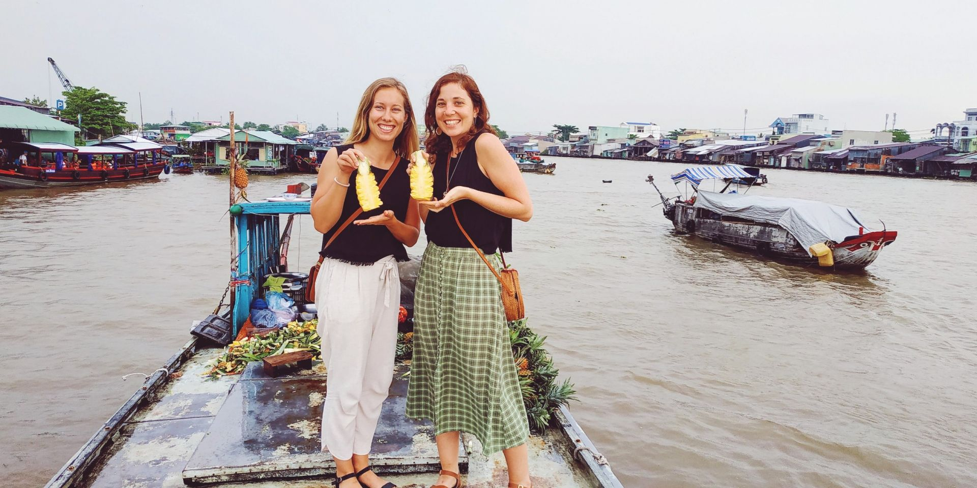 Vietnam floating market11